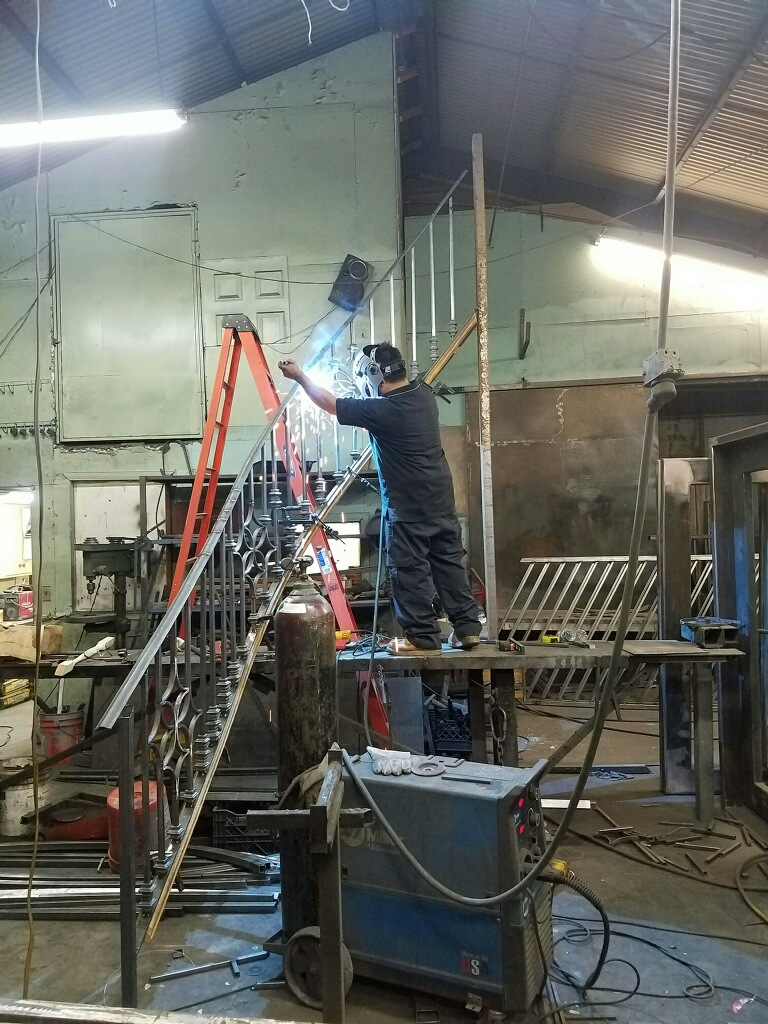 Genial Let Our More Than Twelve Years Of Iron Works Expertise Work For You. We  Have An Impecable Reputation For Crafting The Best Metal Stair Railings.